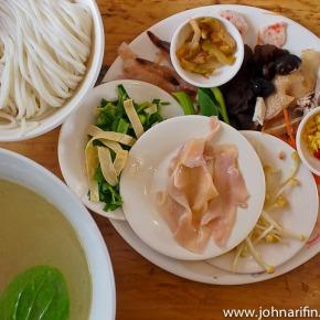 Cross Bridge Rice Noodles of Yunnan,China