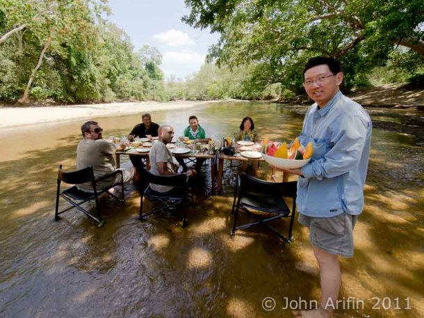 Breakfast in the river Kulu Safaris