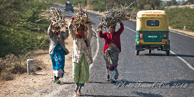 Women at work, Zainabad, Little Rann of Kutch, Gujarat