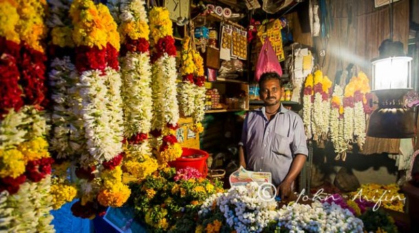 Flower shop in Munar very similar to Singapore at Little india except they opened very early in the morning till dark.